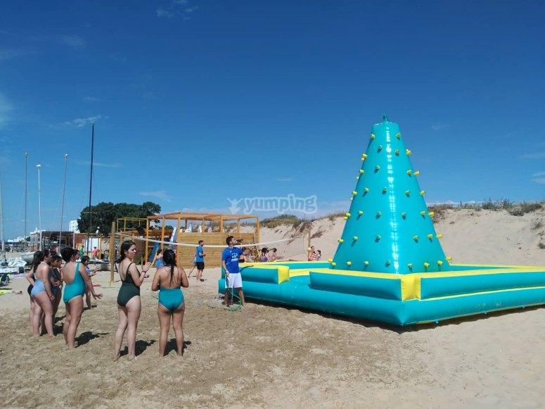 Actividades multiaventuras en el campamento de Isla Cristina