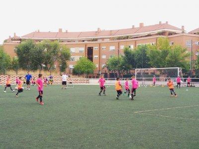 复活节的Moratalaz足球校园