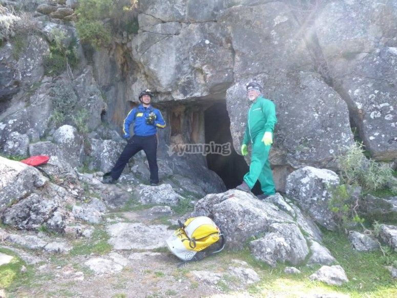 Entrada a la cueva