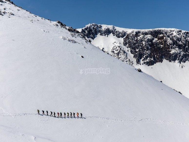 Ruta con raquetas de nieve en Rasos de Peguera