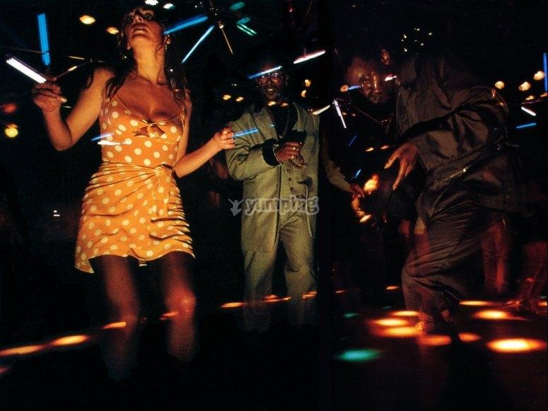 Baila en nuestra discoteca