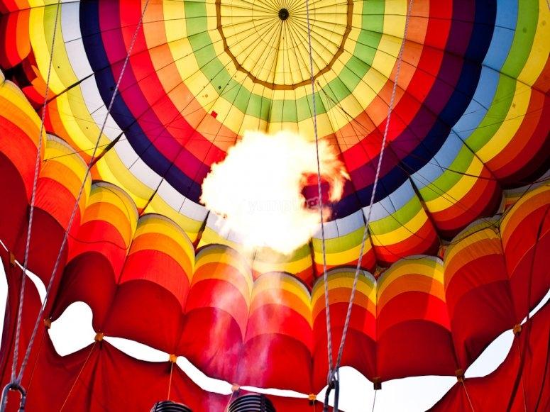 Preparando el vuelo en globo