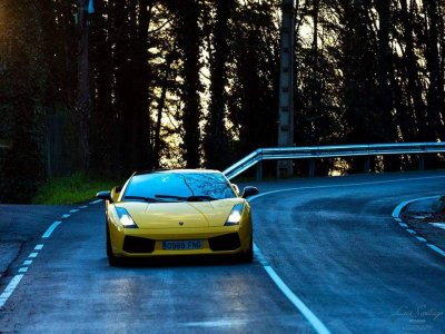 Drive Lamborghini Gallardo 500 hp 45 min Gijón