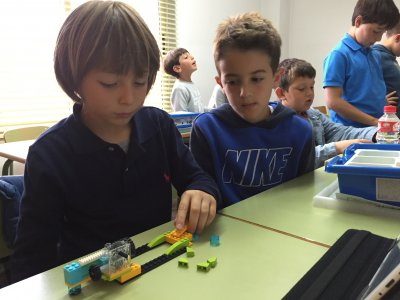 Technology workshop Saturdays Alicante kids 90 min