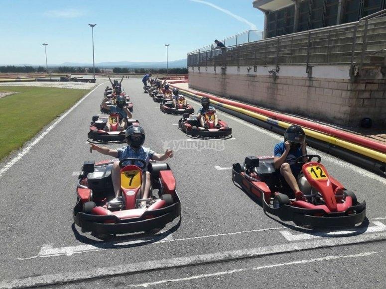 inicio de carrera de karts