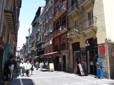 Pamplona literary guided tour for children 2 h
