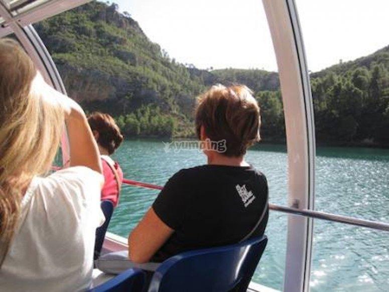 Paseo en barco por el río Júcar