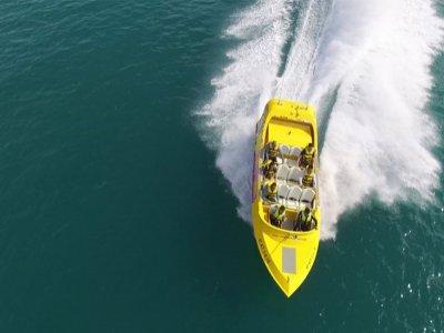 Paseo en jet boat en Torrevieja hasta 12 personas