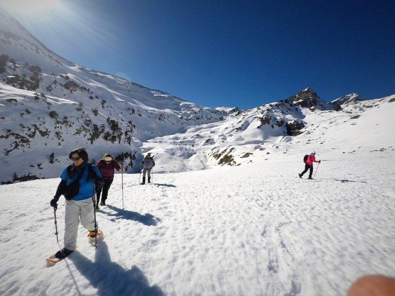 Randonnée en raquettes sur les sommets de Literola raquettes à neige