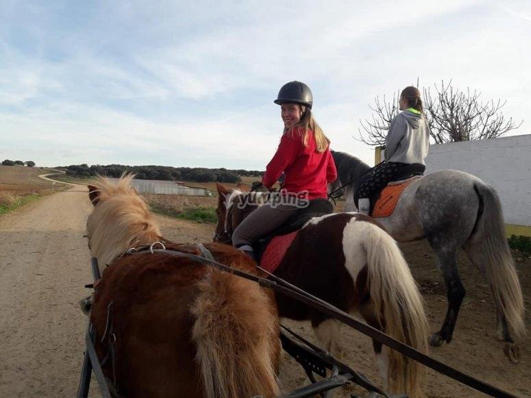 Ruta compartida con monta a caballo