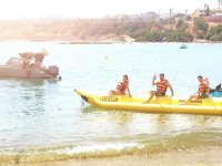 The banana boat before it sets off