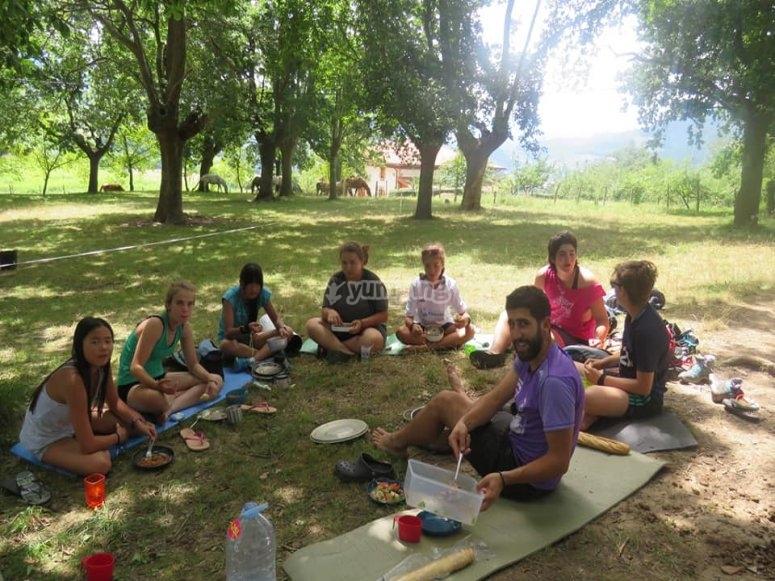 Comidas al aire libre en el campamento
