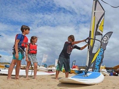 7月份航海和多冒险儿童营地