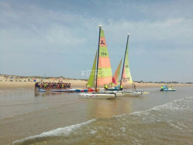 Catamaran de la escuela en Huelva