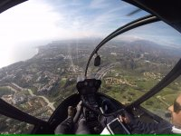 在太阳海岸的一天直升机飞行员