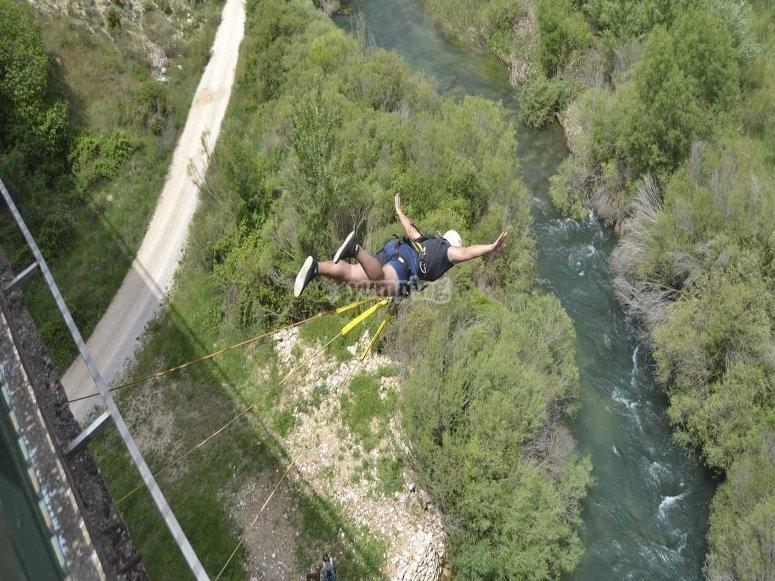 2 bungee jumps in Cuenca