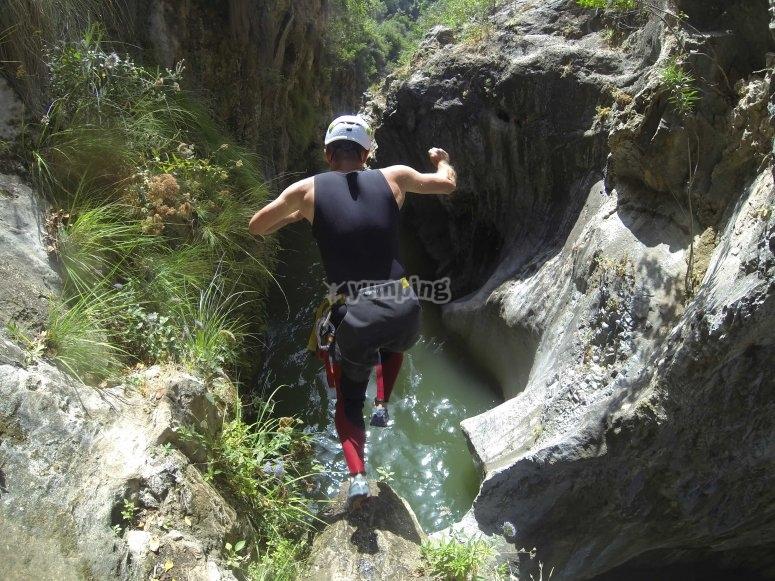 Saltos opcionales en barranco de Guadalmina