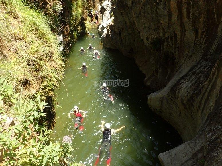 Nadando durante el itinerario