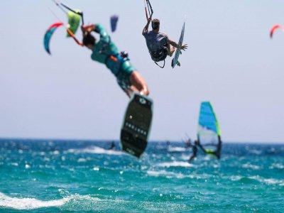 在Tarifa进行2小时的私人风筝冲浪