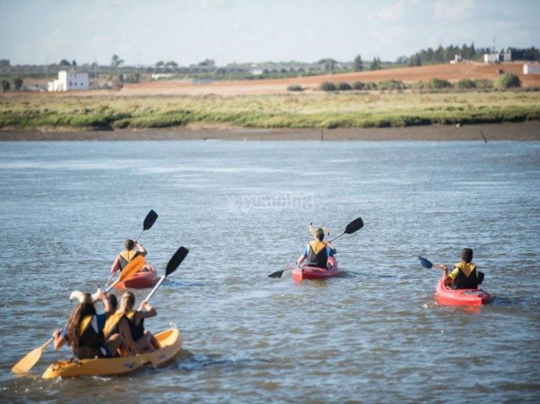 kayak en la desembocadura del río Carreras