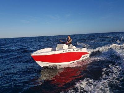 Alquiler barco Compass sin licencia Santa Pola 8h