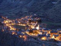 El pueblo de Espot de noche