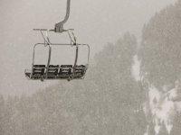 滑雪场拖车