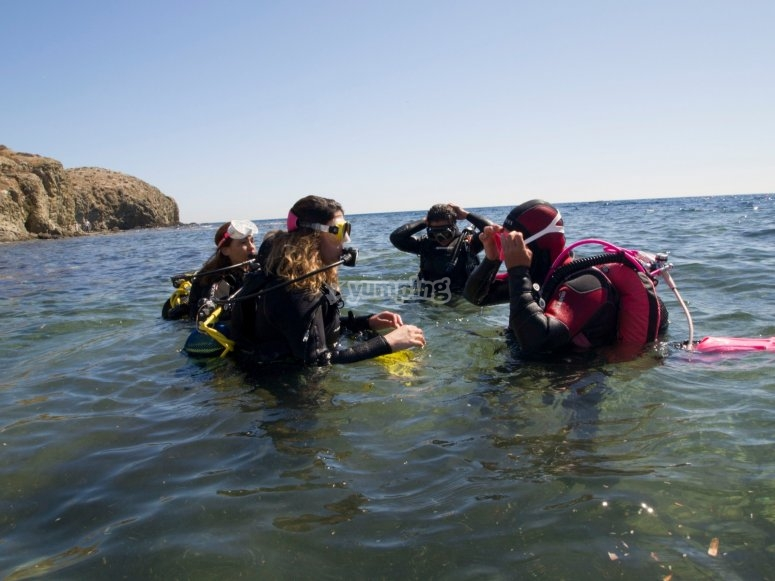 Inmersiones en el mar para la práctica