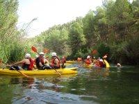 Piraguas en el río Cabriel