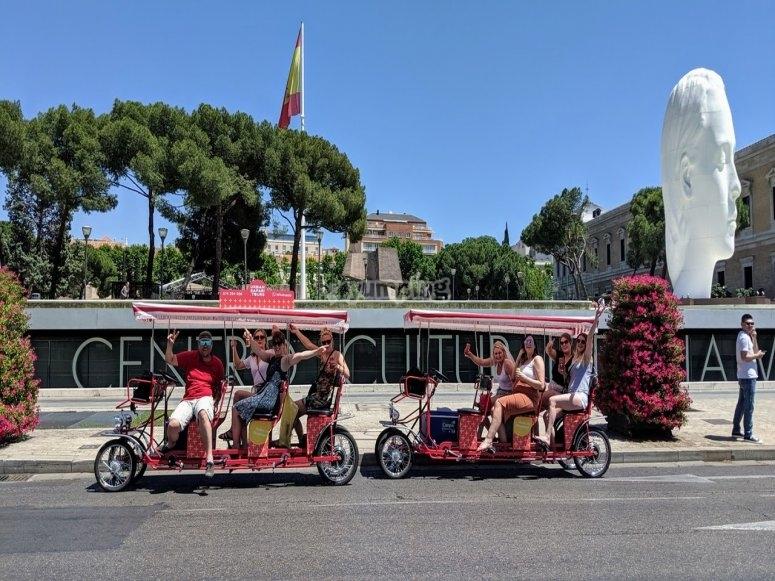 通过Atocha骑自行车