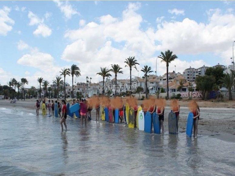 En la orilla de la Playa de Santa Pola