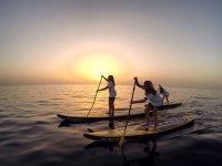 En el mar con el atardecer canario