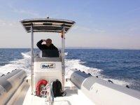 在船上穿越地中海