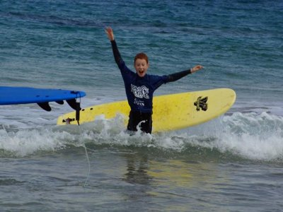 Wave Riders Surf School  Campamentos de Surf