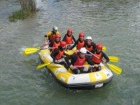 En rafting con tus amigos