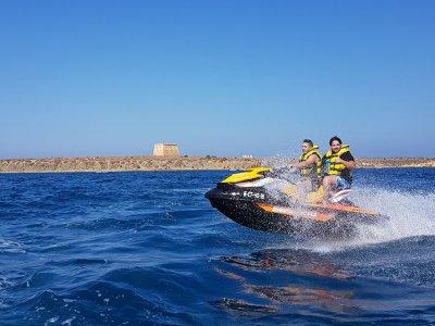 Team building 1h moto agua parascending Santa Pola