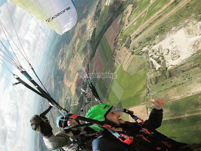 Adrenalina máxima en el parapente