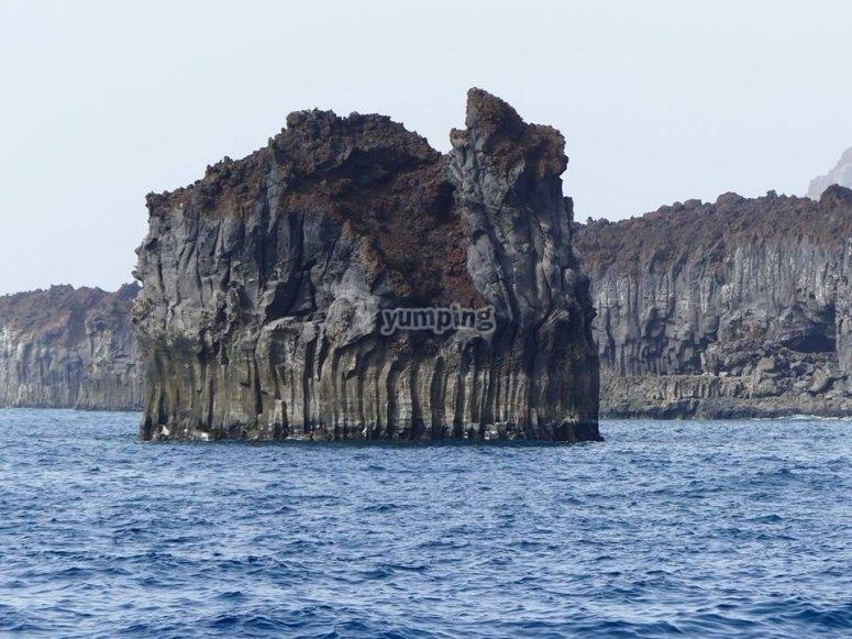 耶罗岛火山海岸