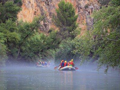 Rafting Canyon di Almadenes visita di grotte e foto