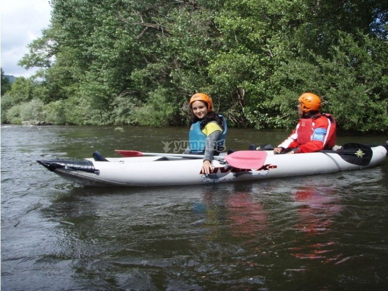 Kayaking course in Alberche river