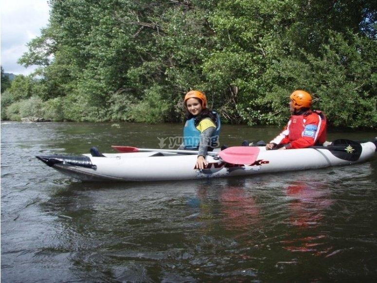 Curso de kayak en río Alberche