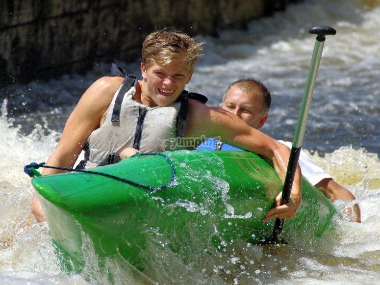 Kayak shoring up