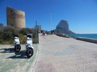 Visita en moto 125 cc el Peñón de Ifach