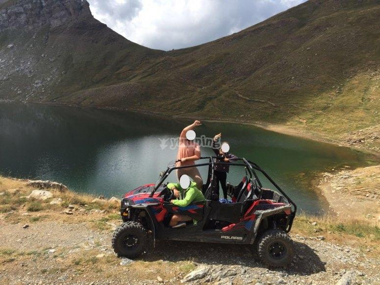 Lago descongelado en pirineo aragonés