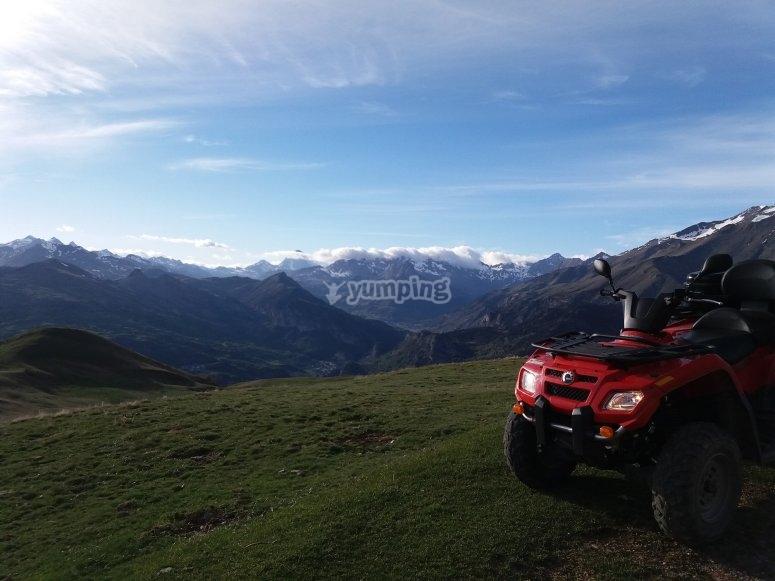 Skyline de montañas en Huesca