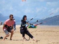 在塔里法风筝学习风筝