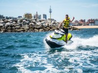 Giro in moto d'acqua di 1 ora a Gijón