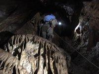 Descenso en rápel cueva