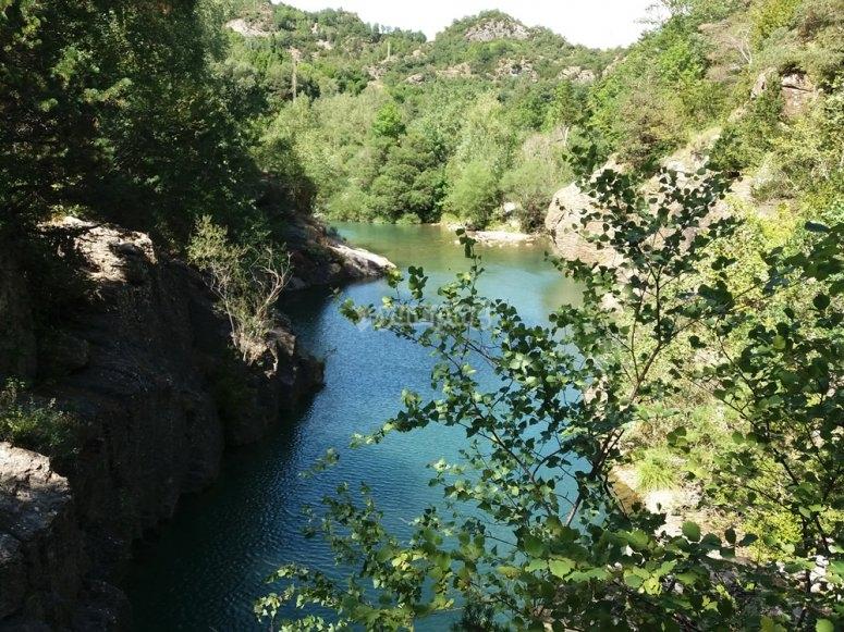 Vistas de un lago del Pirineo