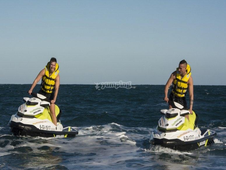 Salida en moto de agua con amigos Asturias